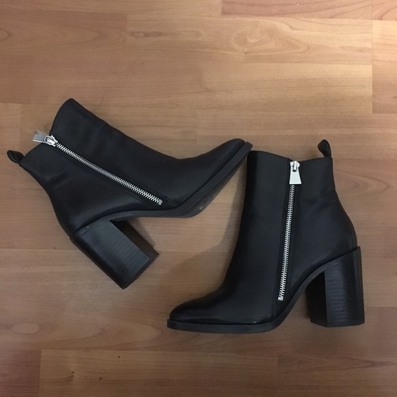 79741ce39f6 Steve Madden Tasha black ankle boots with zipper